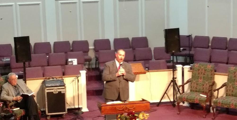 Bro. Jason Williams singing: When He Was On The Cross